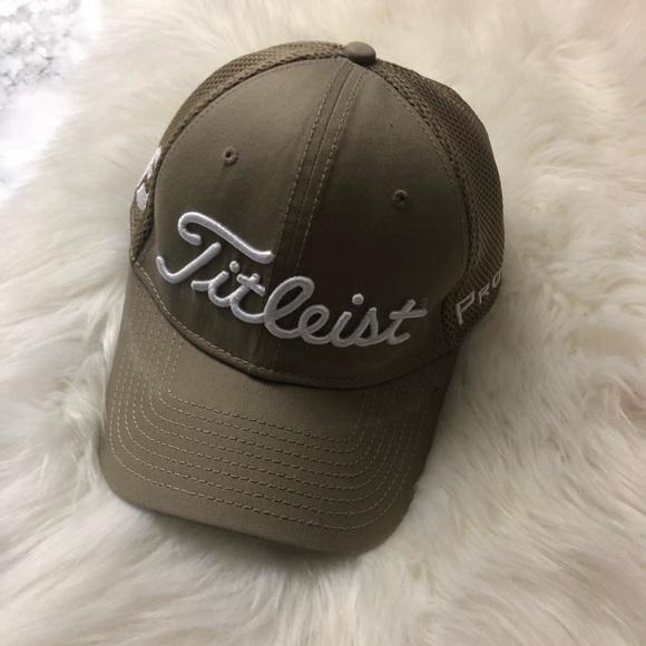 Footjoy TITLEIST brown golf cap. M 5bfb08d3951996868d6bce6e 460fd25279e